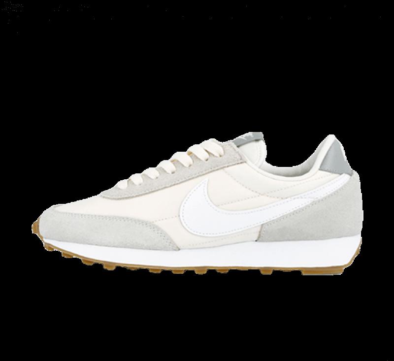 Nike Women's Daybreak Summit White/Pale Ivory