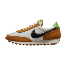 Nike Women's Daybreak Wheat/Phantom-Scream Green