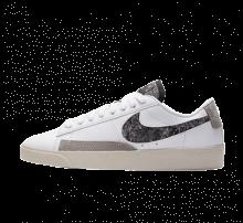 Nike Women's Blazer Low SE White/Black-Light Bone