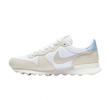 Nike Women's Internationalist White/Light Bone-Pale Ivory-Summit White