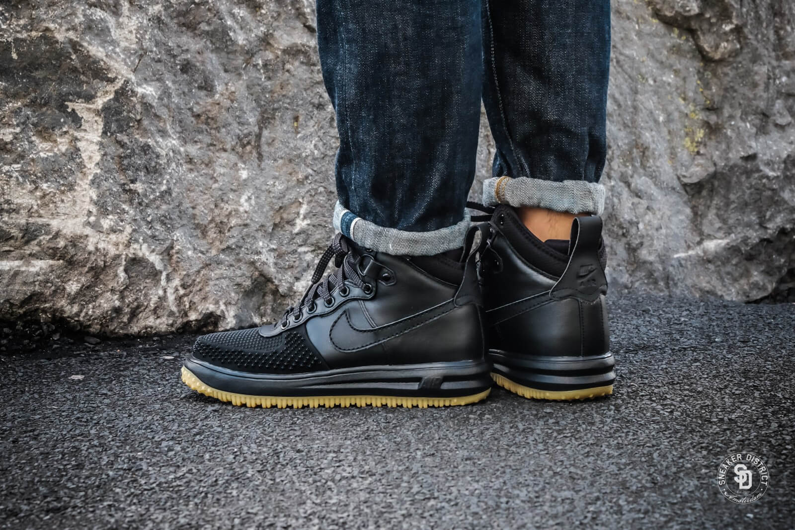 nike lunar force 1 duckboot black black metallic silver. Black Bedroom Furniture Sets. Home Design Ideas