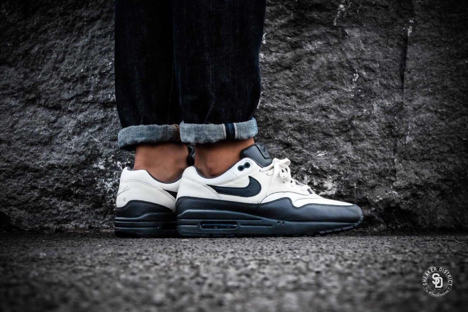 Nike Air Max 1 Premium (grau weiß) 875844 100