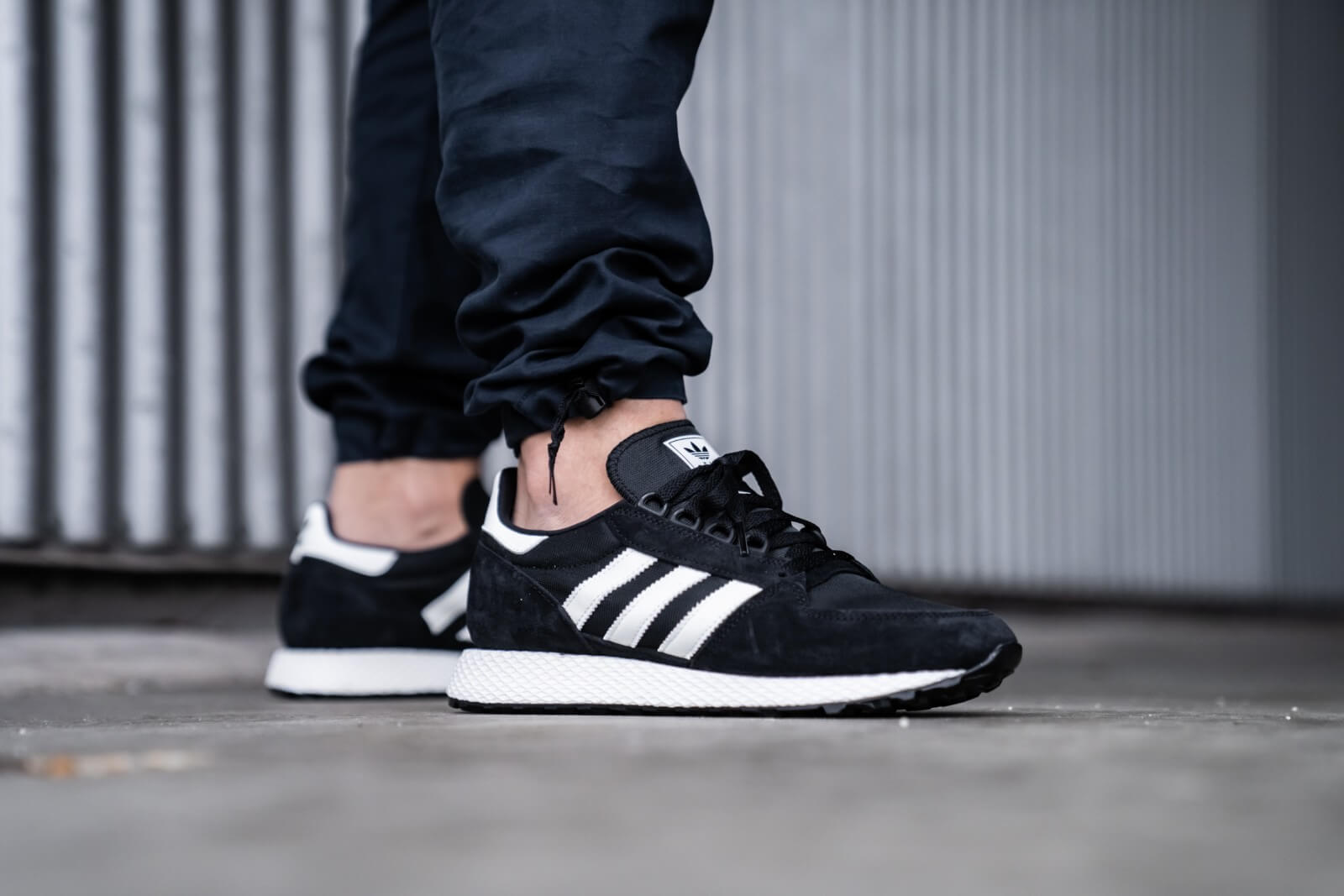 Adidas Forest Grove Core BlackCloud White EE5834