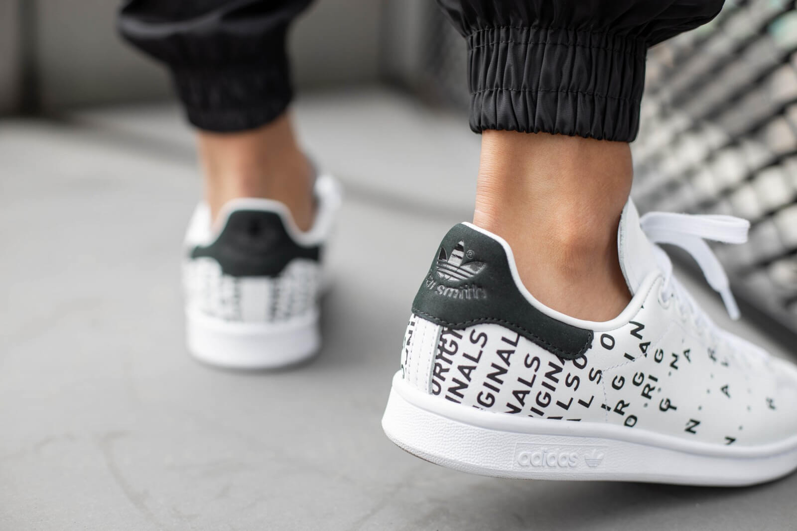 stan smith black and white womens