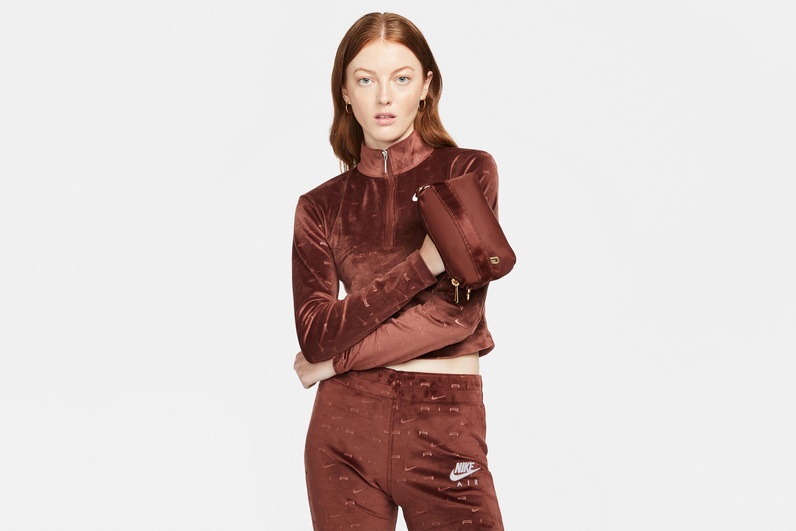 Nike Women's Futura Luxe Crossbody Bronze Eclipse / Burnt Sunrise