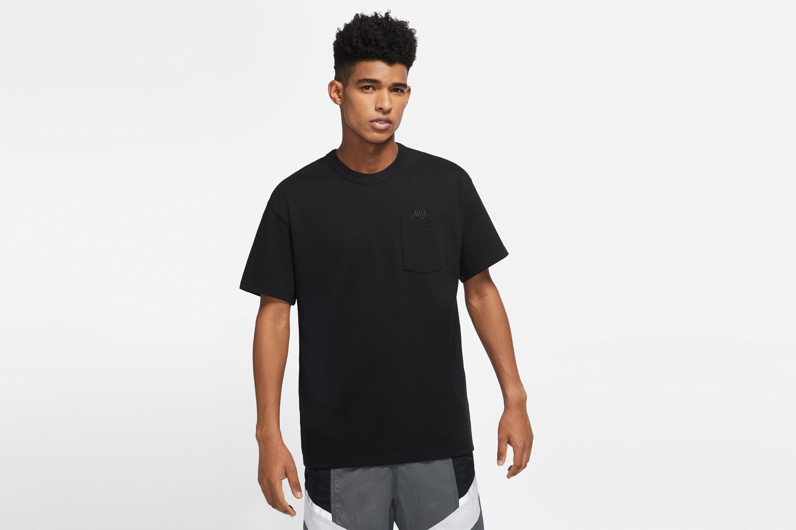 Nike Pocket T-Shirt Premium Essentials Black