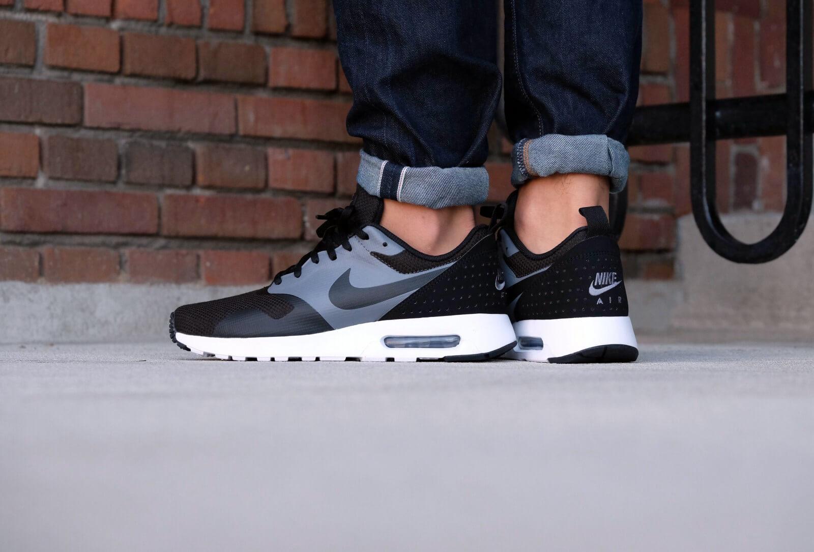 Nike Air Max Tavas SE BlackBlack Dark Grey 718895 008
