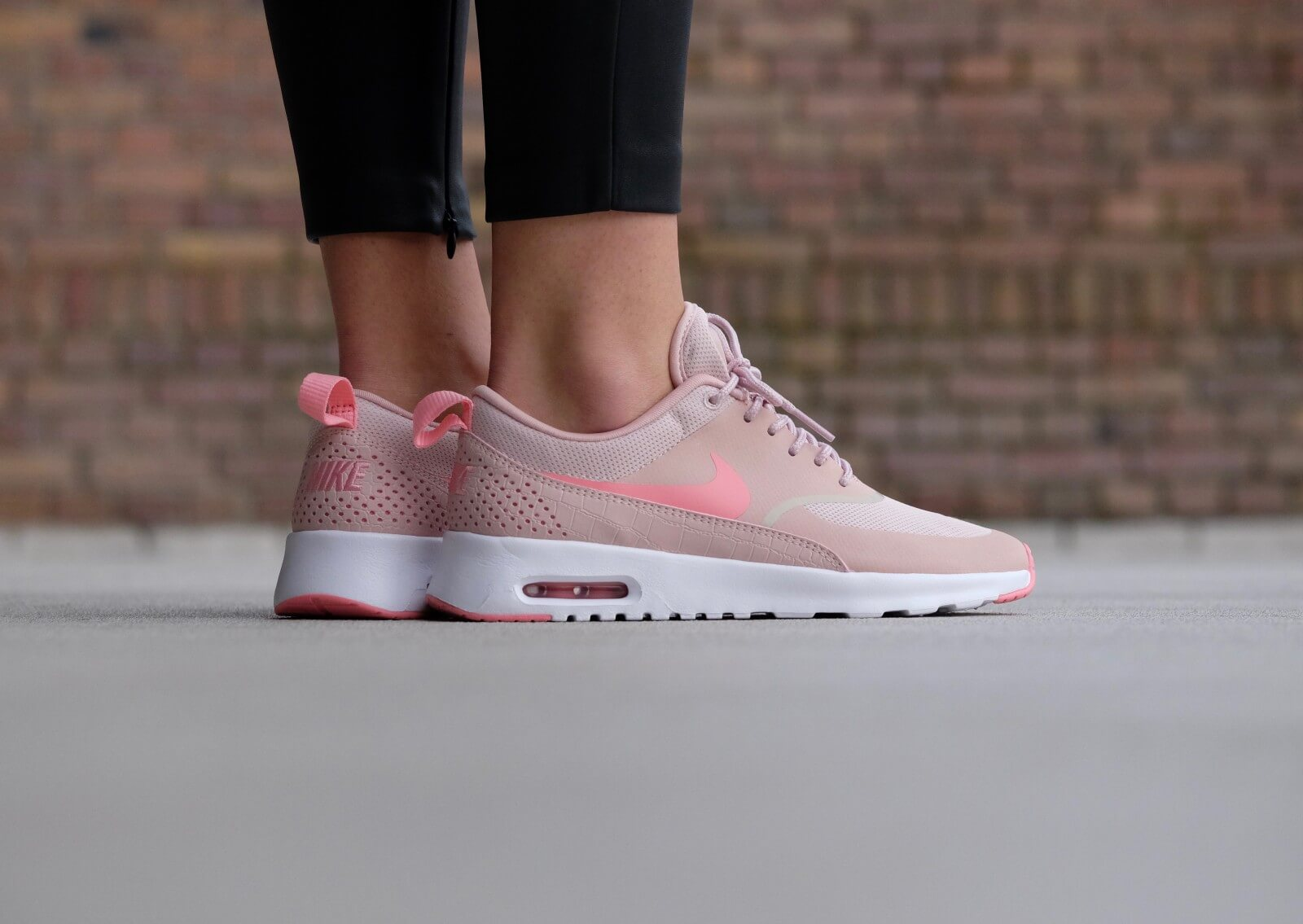 check out 70e0a e970c nike air max thea melon