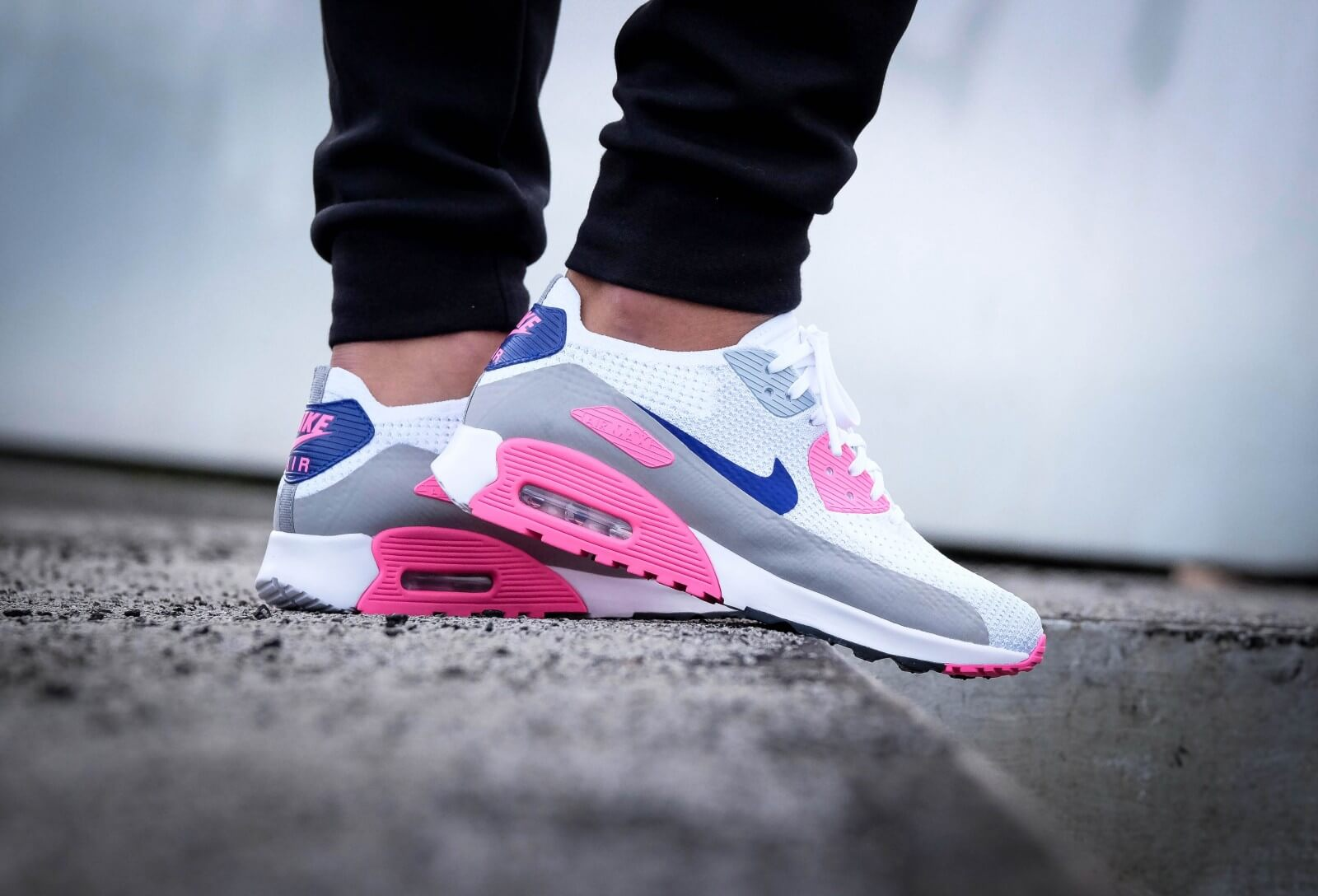 Laser Pink Nike Air Max 90 Nike WMNS Air Max 90 Ultra 2.0 Flyknit White/Concord-Laser Pink ...