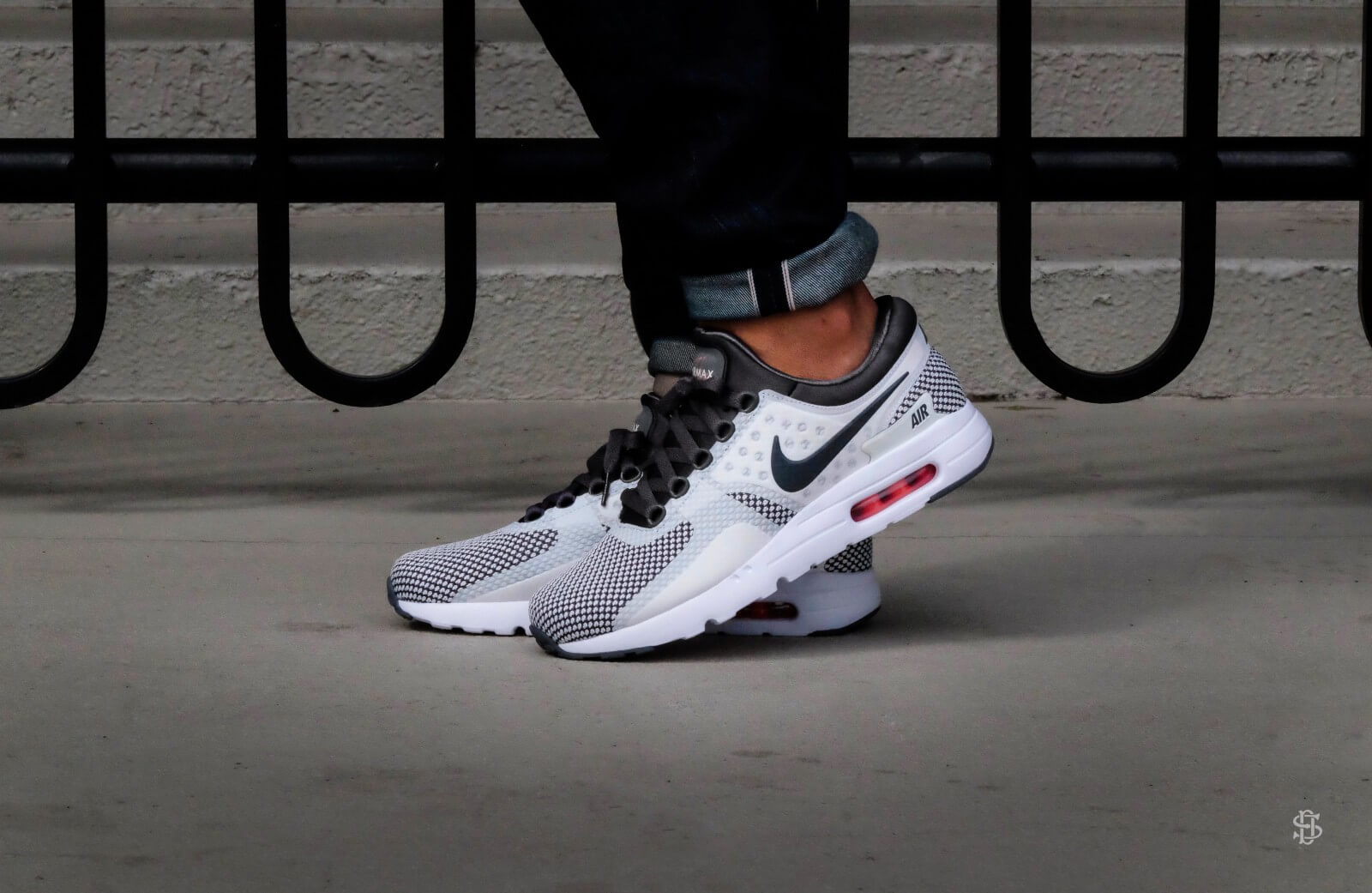 03ec1ac00e Nike Air Max Zero Essential Dark Grey/Summit White - 876070-008 ...