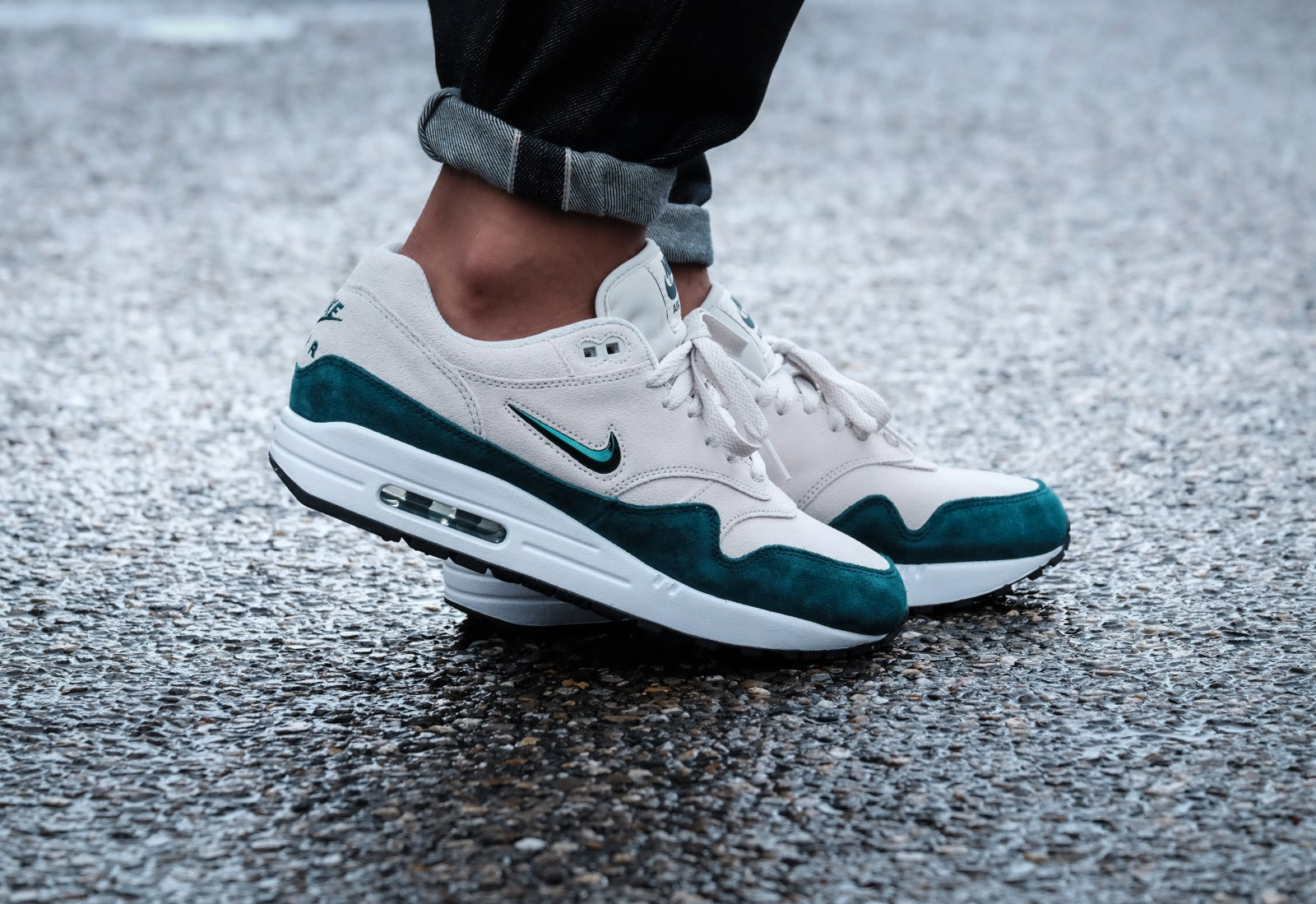 nike air max 1 premium sc light bone dark atomic teal white black 918354 003. Black Bedroom Furniture Sets. Home Design Ideas