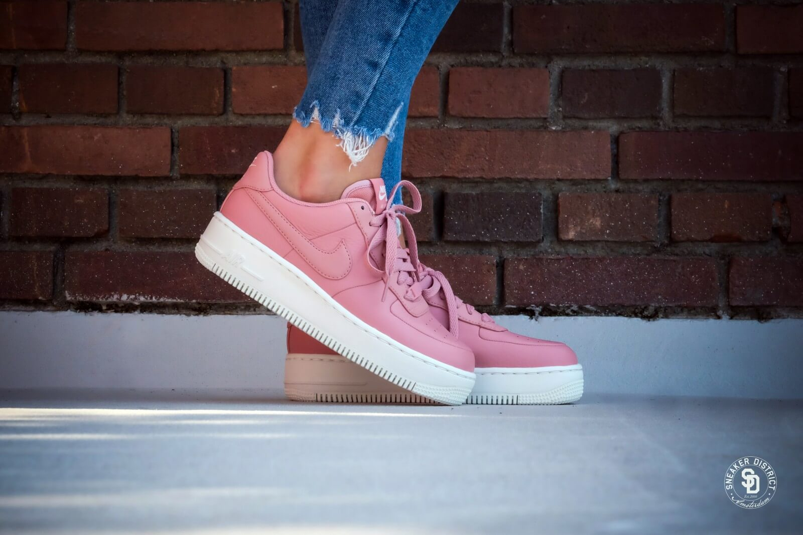 nike air force 1 upstep red stardust