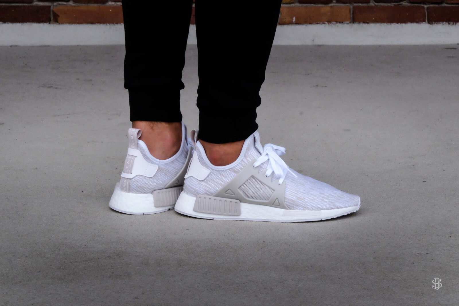 Adidas NMD _XR1 PK White Camo Real vs Fake