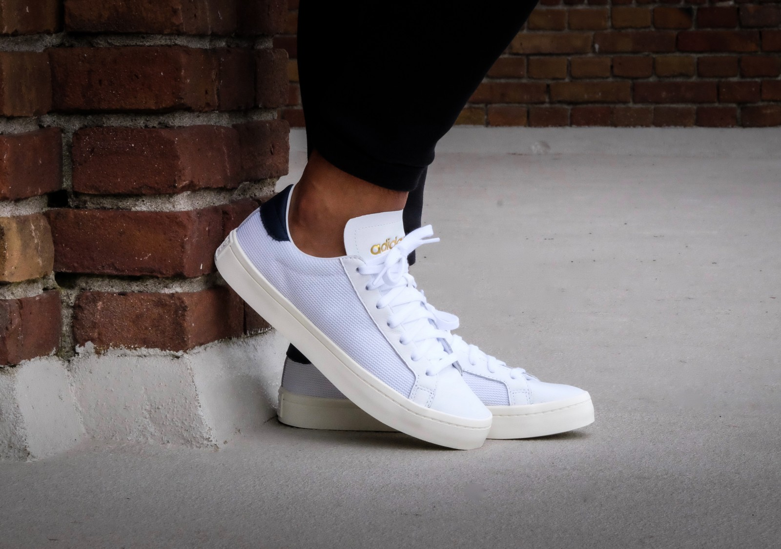 adidas court vantage footwear white collegiate navy bz0427. Black Bedroom Furniture Sets. Home Design Ideas