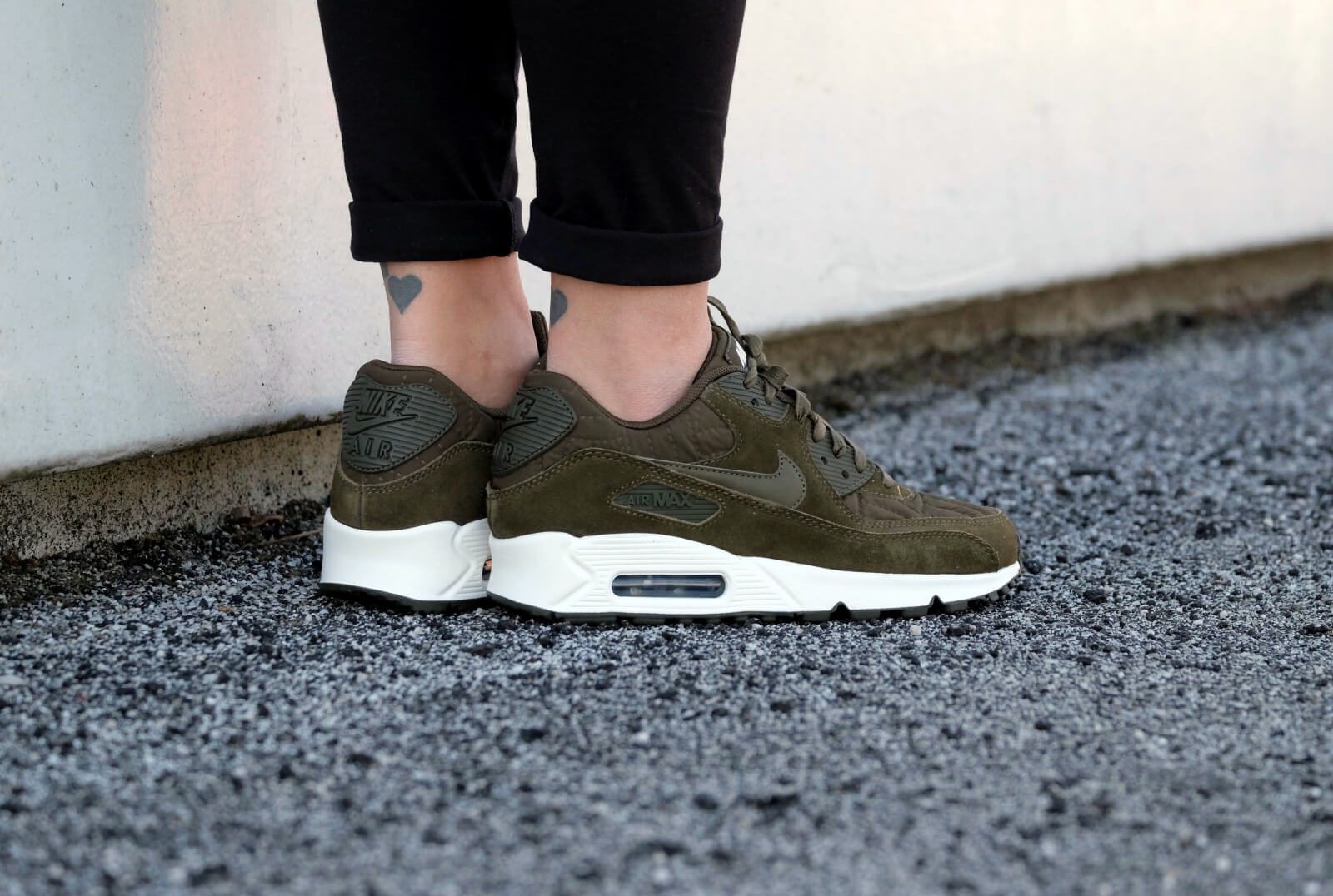 100% top quality first look clearance prices Nike Wmns Air Max 90 Premium Dark Loden-Ivory - 443817-300