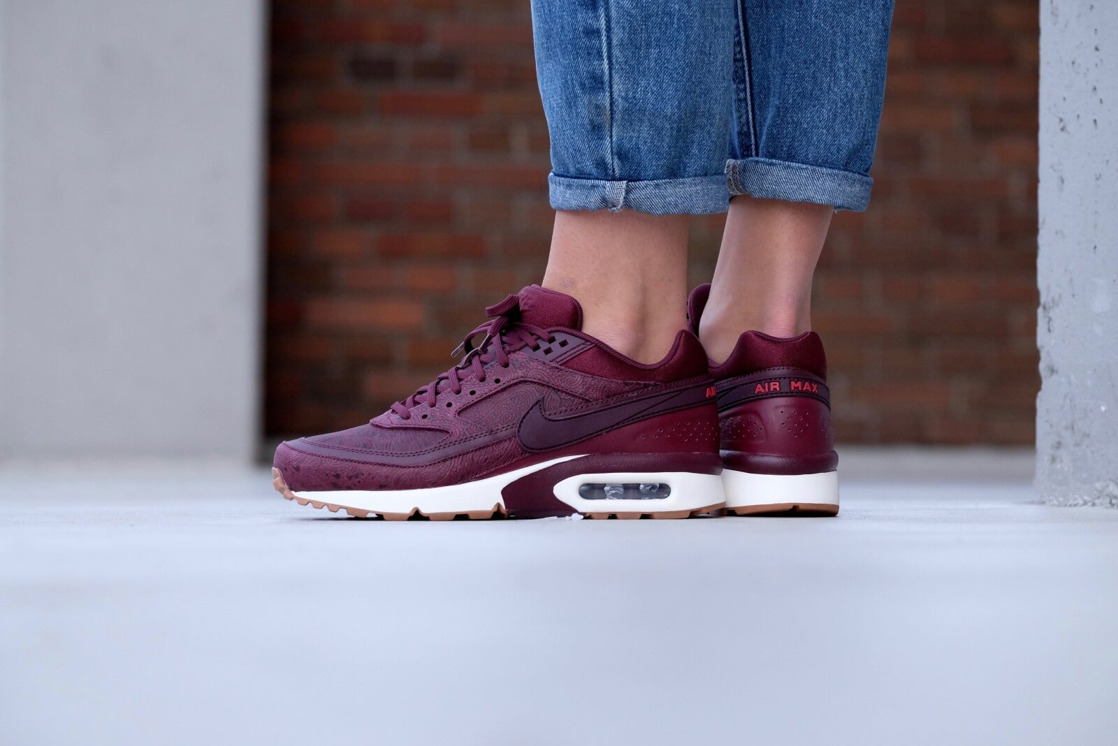 cheap for discount 9c830 a175e Nike Wmns Air Max BW PRM Paisley Pack Night Maroon Noble Red Night Maroon  Sail