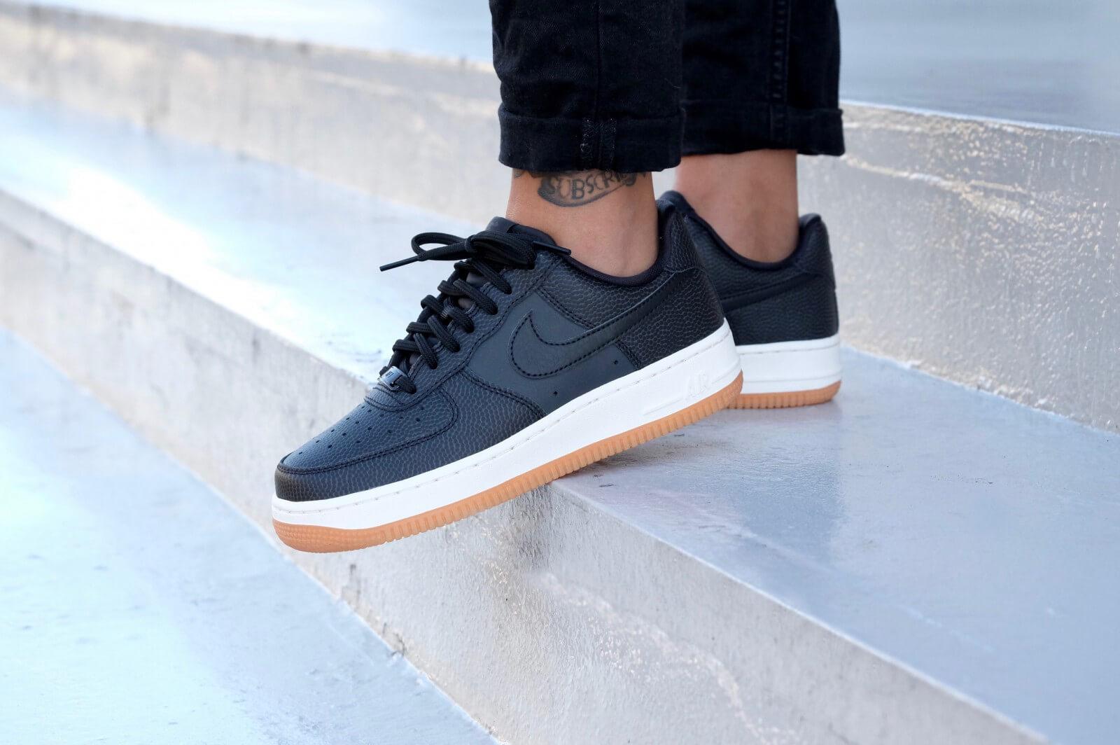 Nike Wmns Air Force 1 07 Seasonal Black Black Sail
