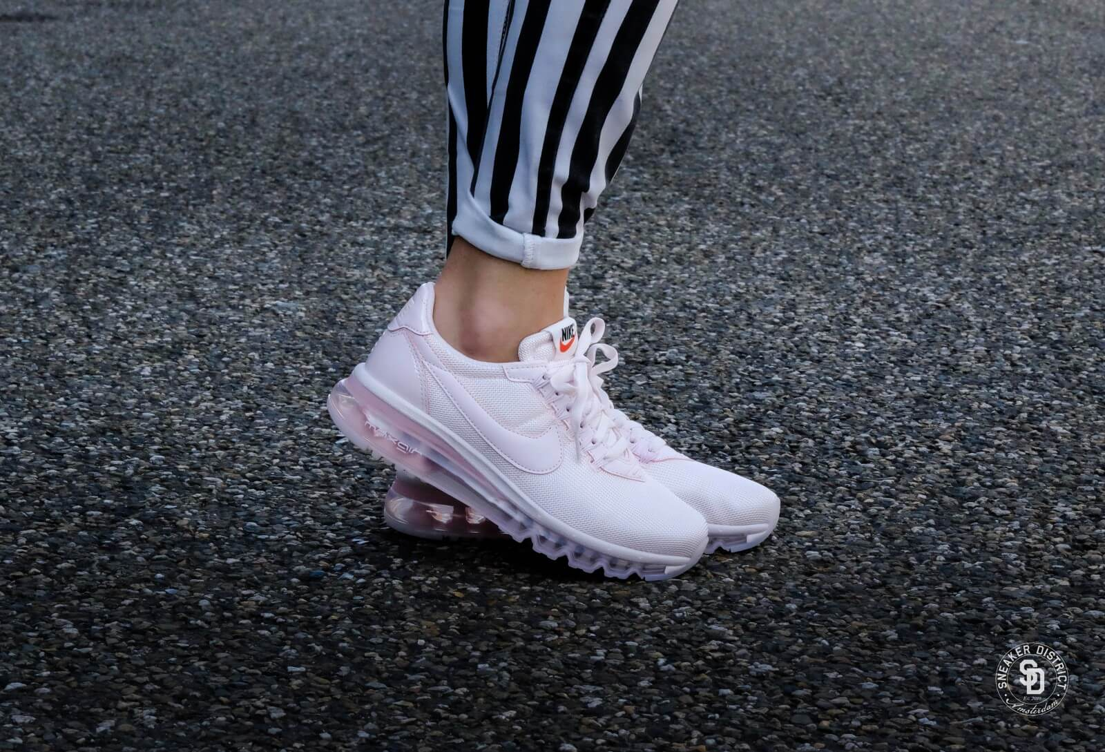 nike wmns air max ld zero se pearl pink prism pink white. Black Bedroom Furniture Sets. Home Design Ideas