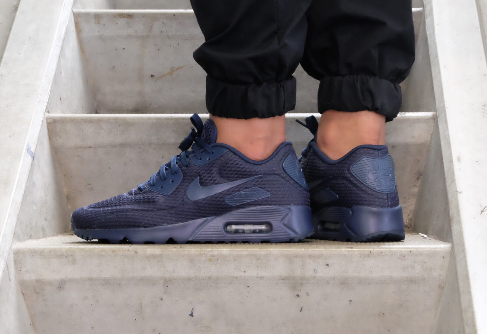 Nike Air Max 90 Ultra Breathe Midnight Navy Blue Sneaker