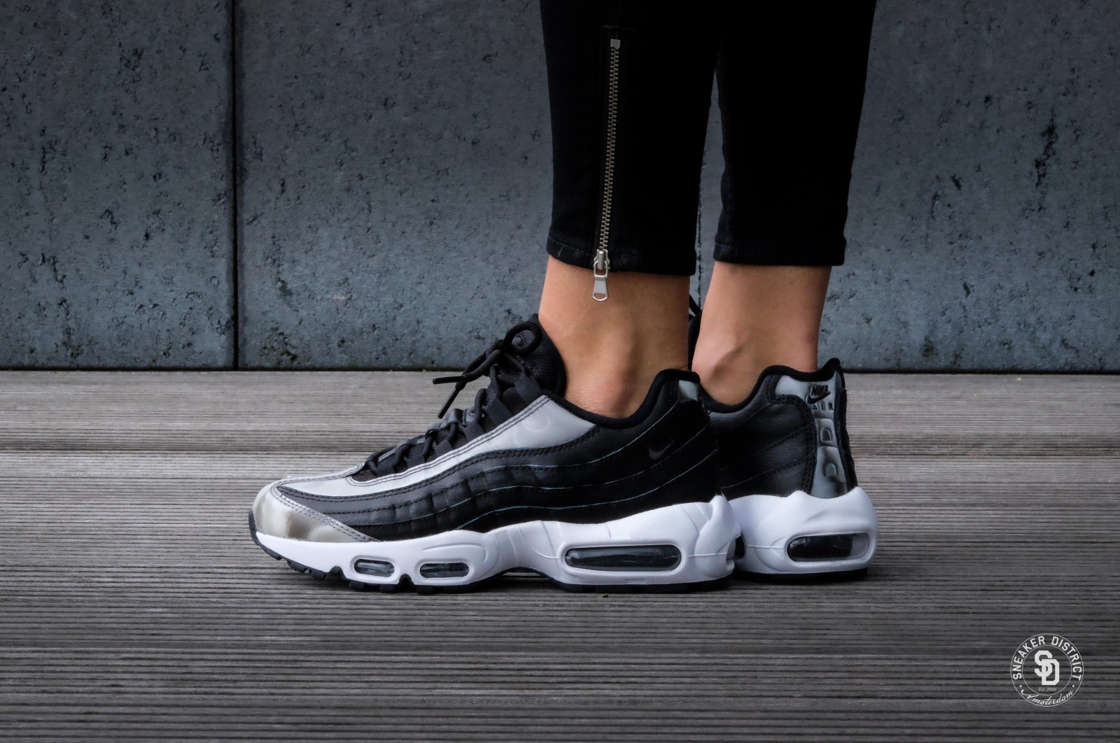 Nike Wmns Air Max 95 Se Black Anthracite White 918413 001