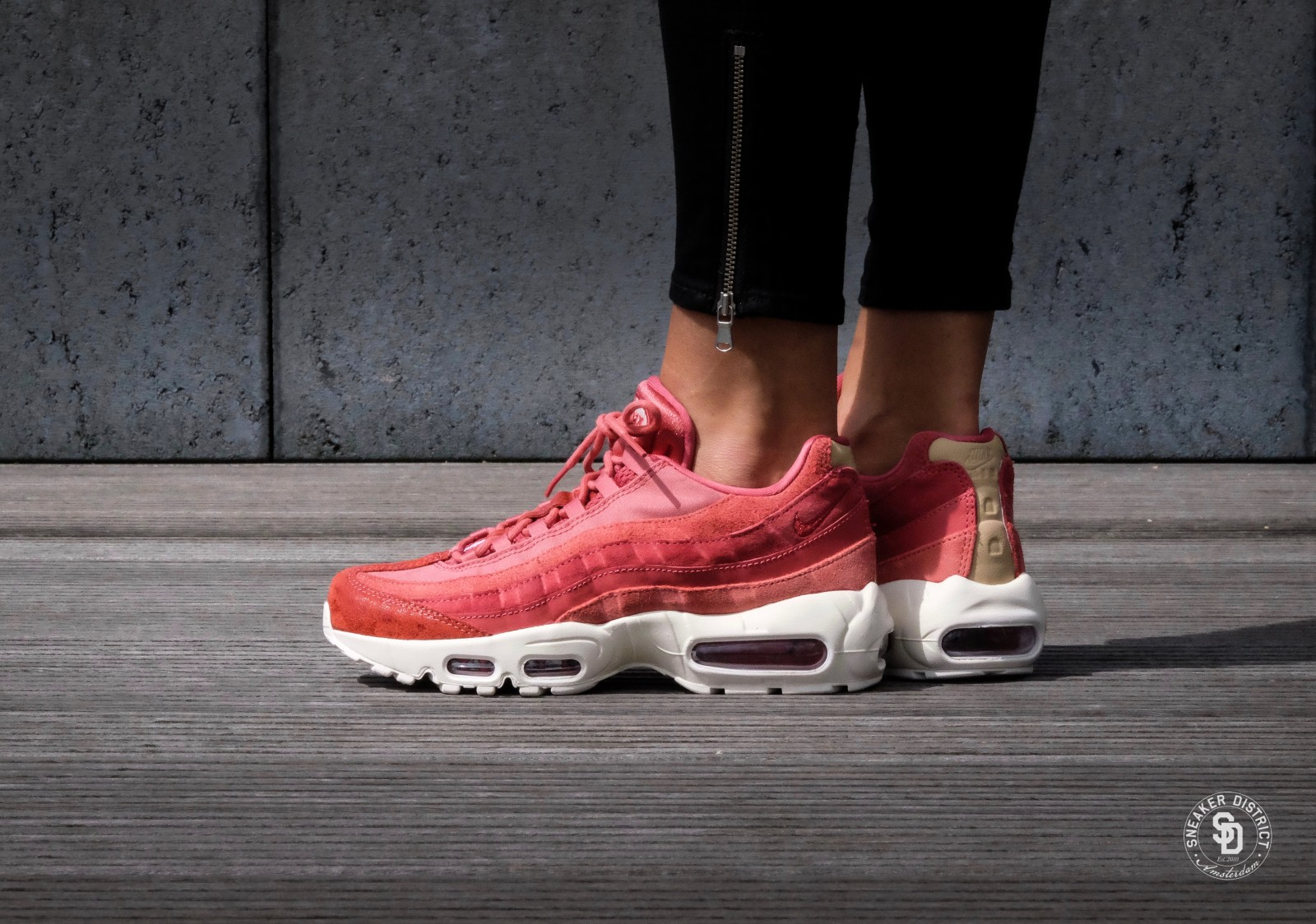 Nike WMNS Air Max 95 PRM Light RedwoodSail Mushroom 807443 801
