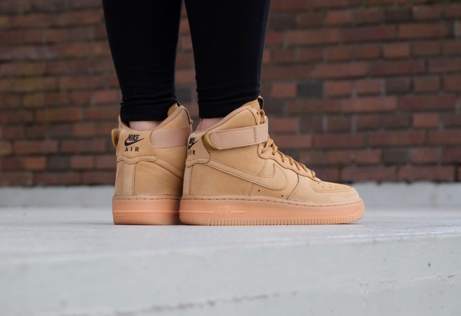 7816c0272a6f51 nike air force 1 high lv8 flax