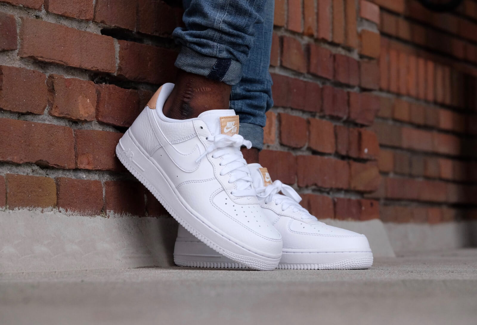 on sale b1f30 e26a8 nike air force 1 lv8 tan