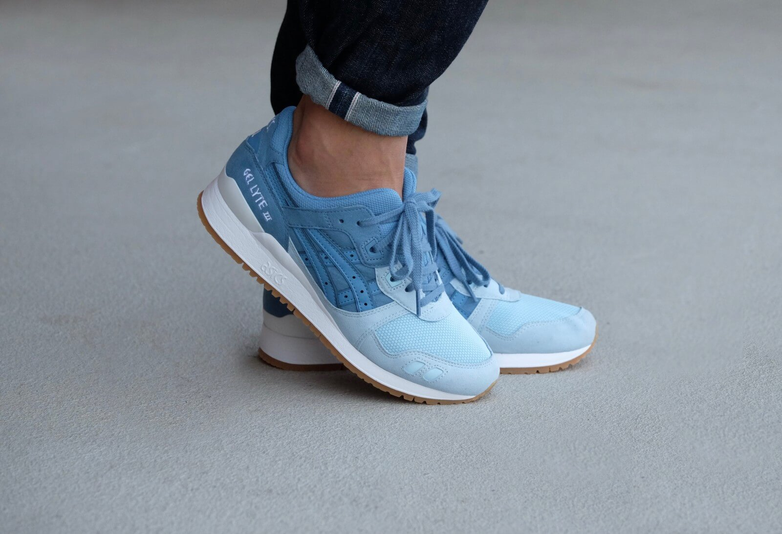 asics gel lyte iii white blue