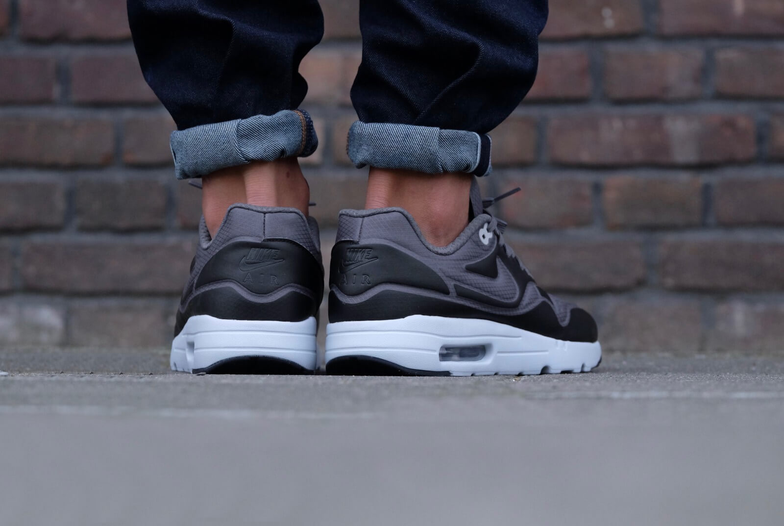 40172bb9b8ec77 ... Nike Air Max 1 Ultra SE Dark Grey Black ...