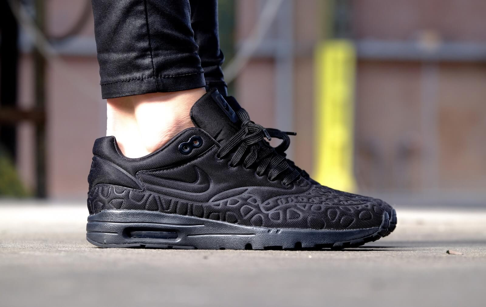 Nike WMNS Air Max 1 Ultra Plush Black Black White 844882 001