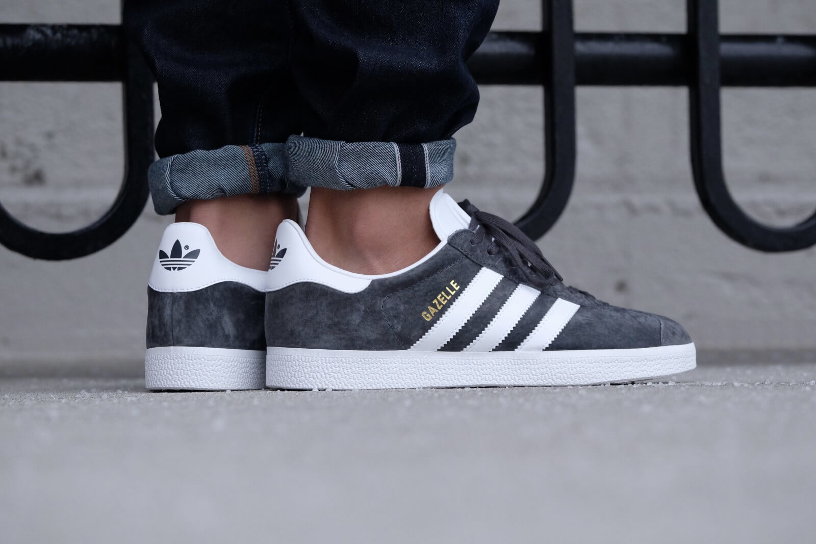 Adidas Gazelle Mens Shoes Solid Grey
