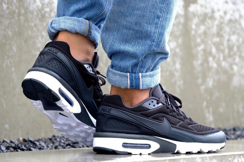 https://static.sneakerdistrict.com/images2/DSCF9350-800.jpg