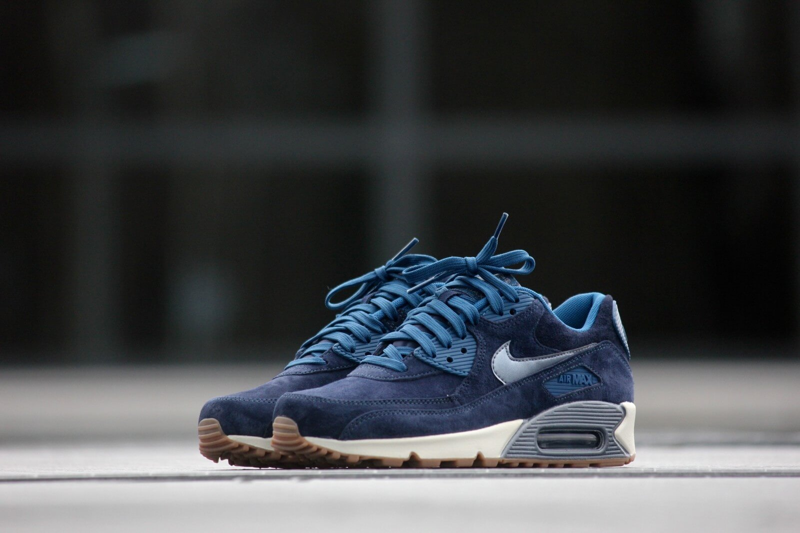 Nike Wmns Air Max 90 Prm Suede Midnight Navy 818598 400