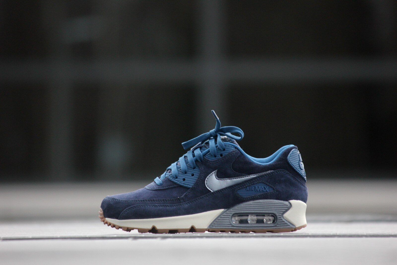 Nike Wmns Air Max 90 PRM Suede Midnight Navy - 818598-400