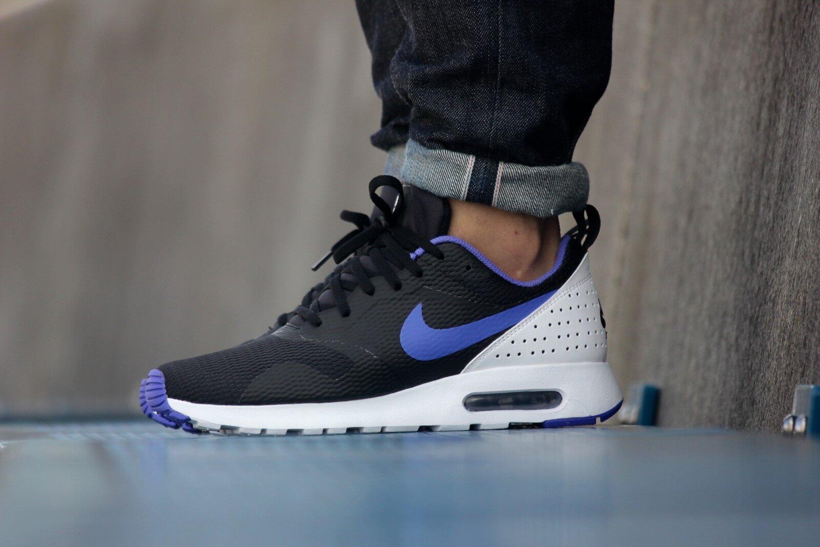 Nike Air Max Tavas Black Running Sneaker