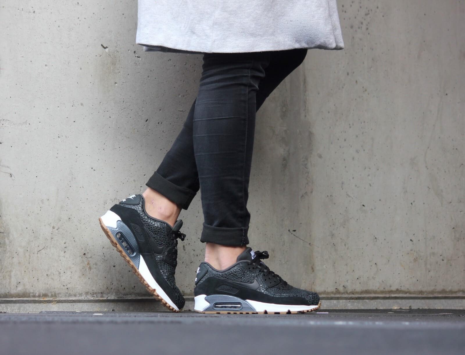 Nike WMNS Air Max 90 PRM Safari BlackBlack White 443817 006