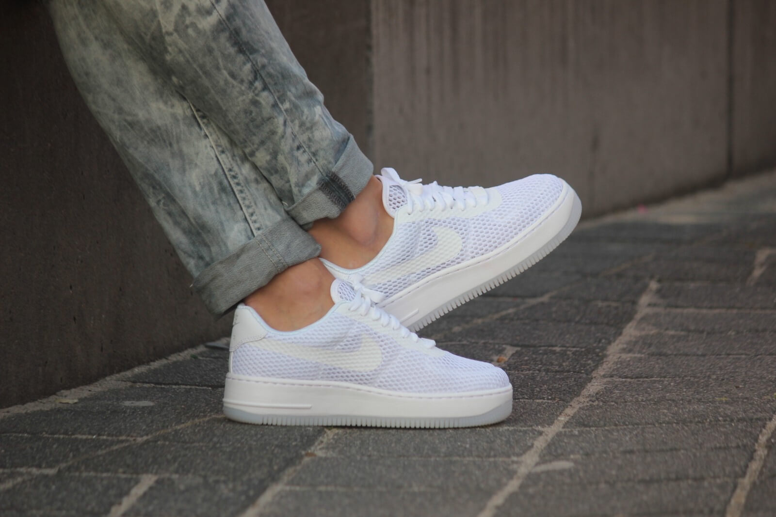 761df18ede9 ... Nike WMNS Air Force 1 Low Upstep BR White White - 833123-100 . ...