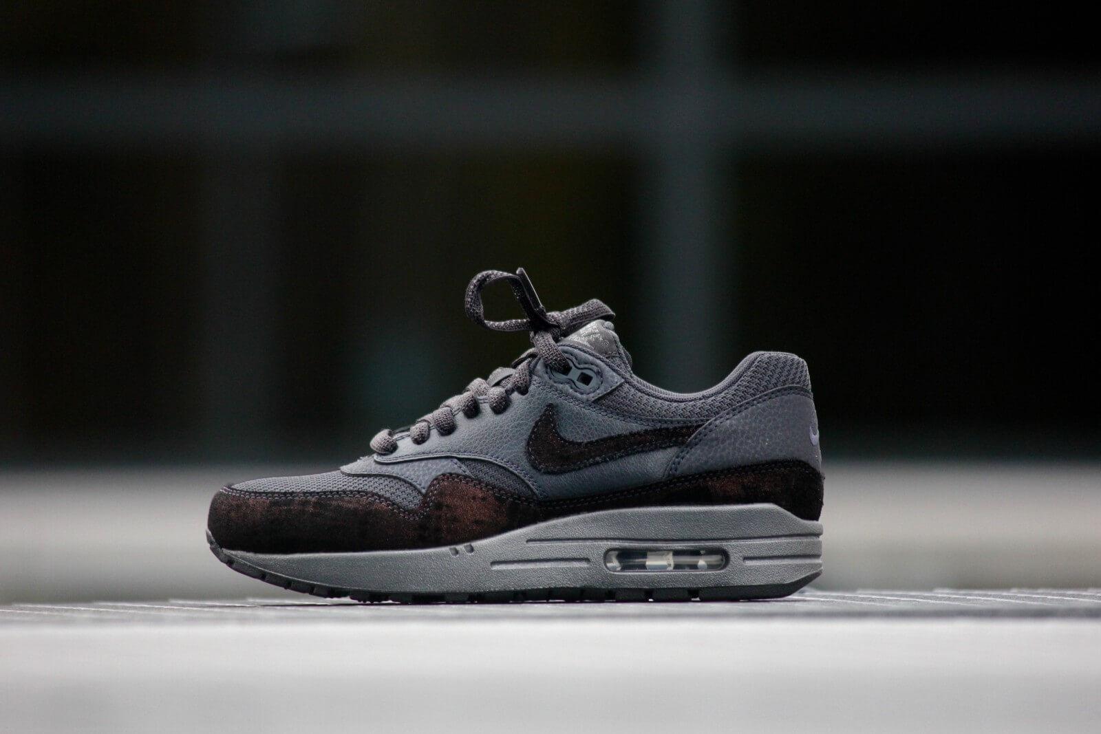 Nike Wmns Air Max 1 PRM Anthracite Black 454746 007