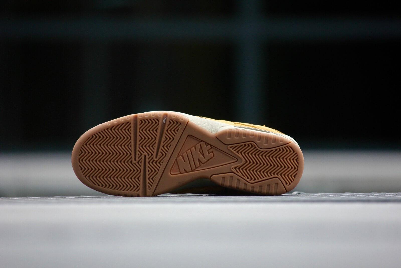 Nike Air Tech Challenge 3 Bronze 749957 700