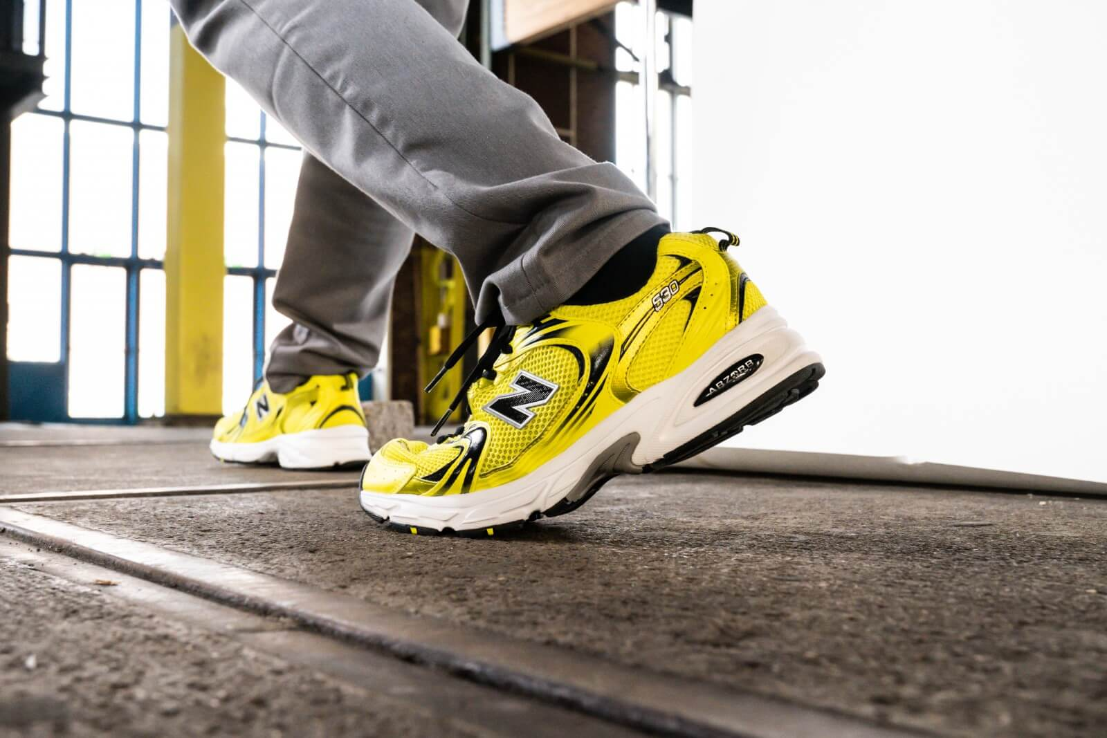 New Balance MR530SE Yellow/Black - 798731-60-7