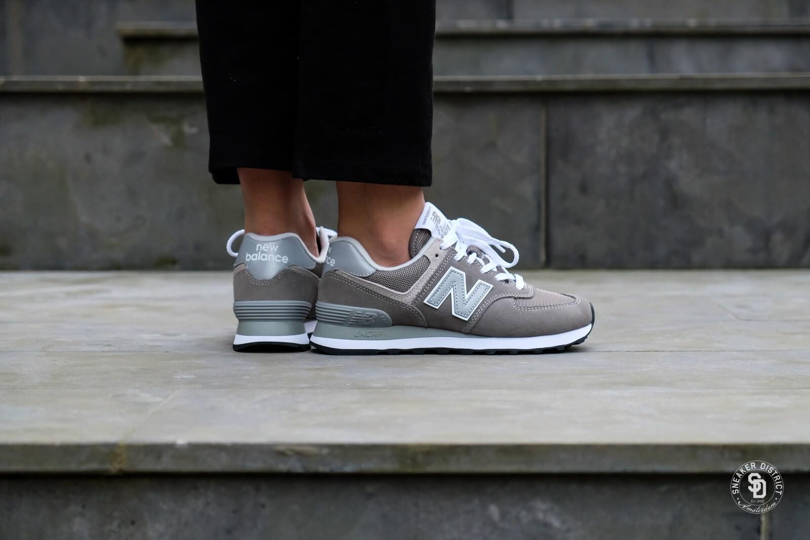 new balance sneaker wl574