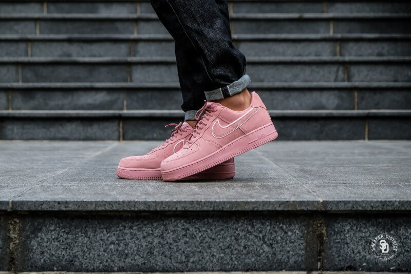 Nike Air Force 1 '07 LV8 Suede Red