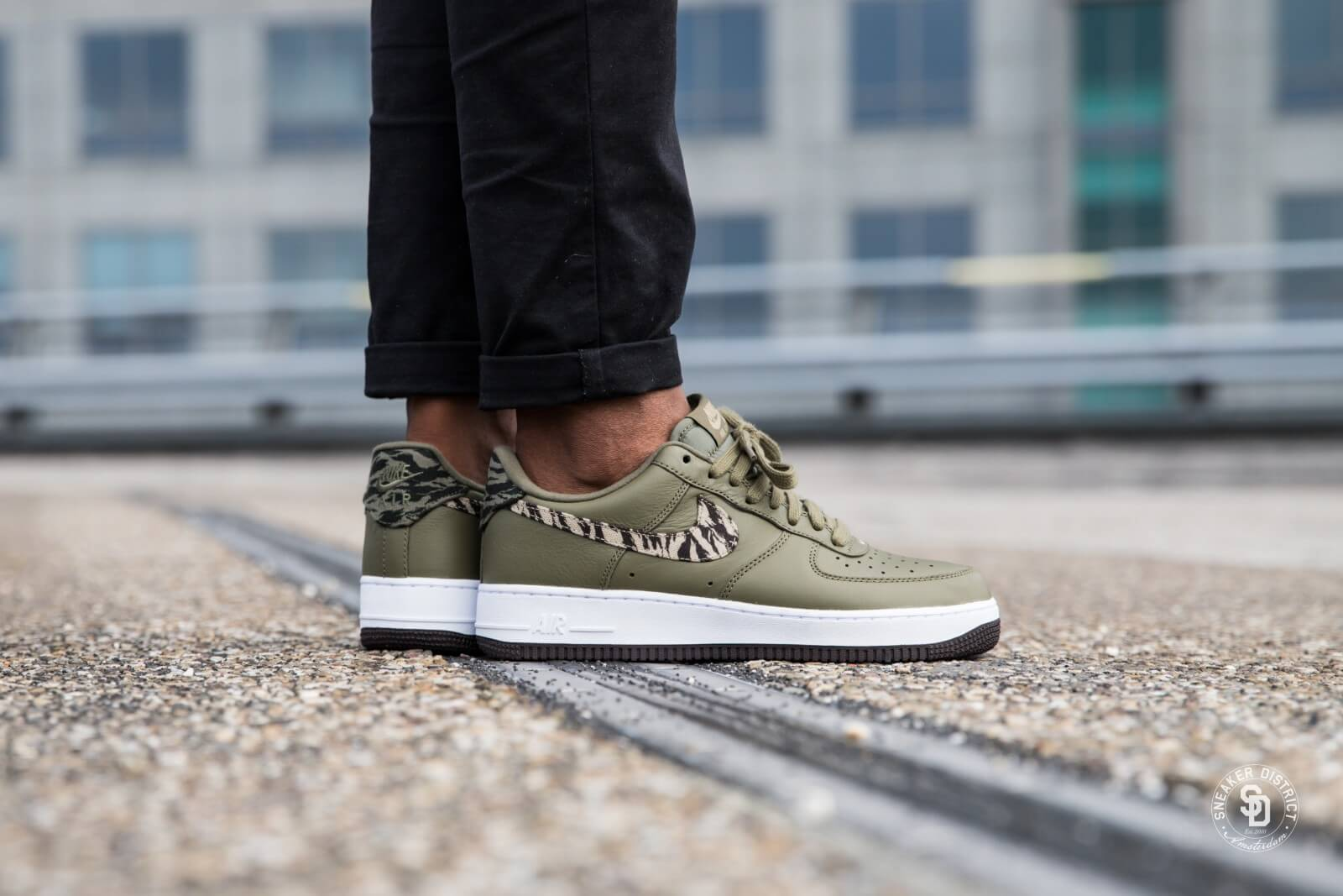Nike Air Force 1 AOP Premium Medium OliveKhaki Velvet Brown AQ4131 200