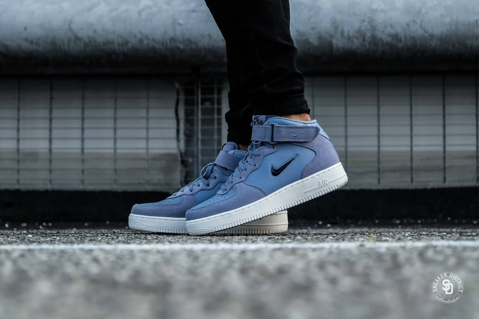 nike air force 1 mid 07 blue