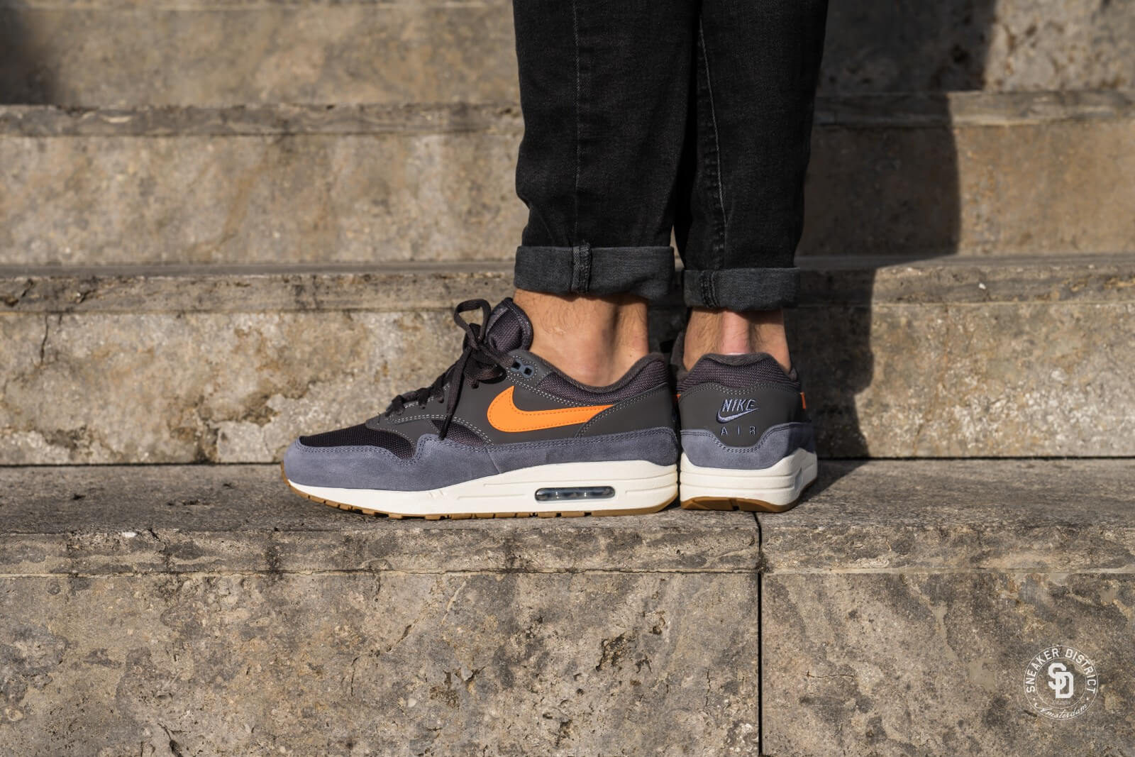 Nike Air Max 90 | Essential Trainers Cool Grey Total Orange