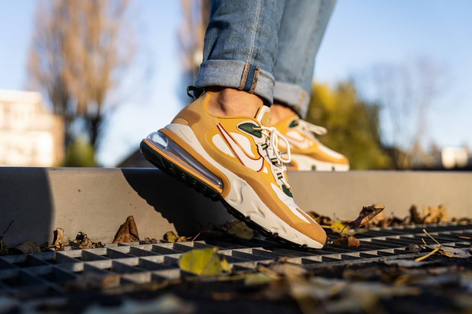 Nike Air Max 270 React Club Gold Light Bone Ao4971 700