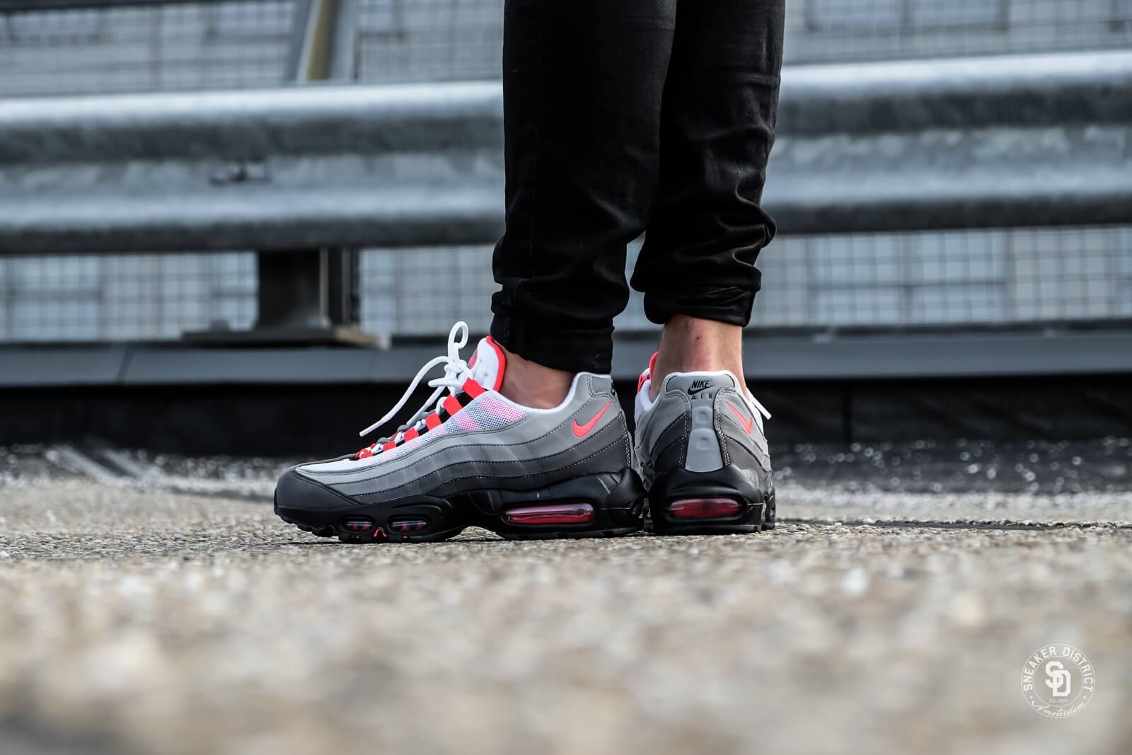 Nike Air Max 95 OG WhiteSolar Red Granite Dust AT2865 100