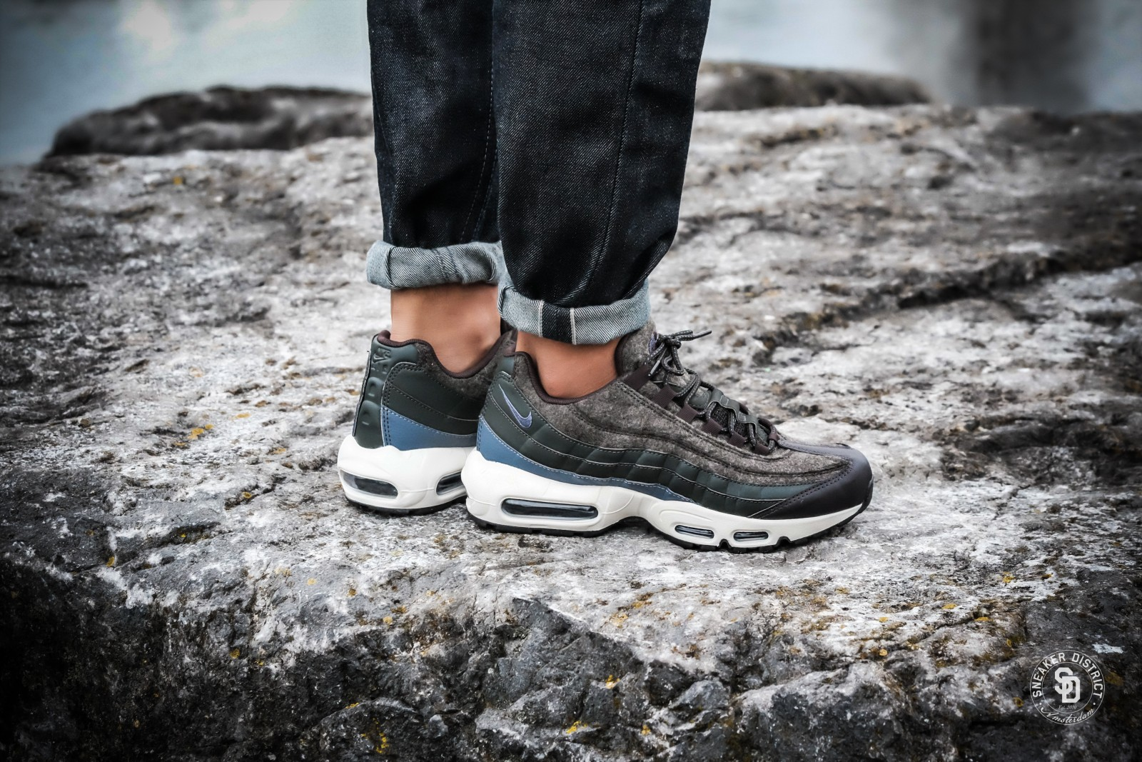 Nike Air Max 95 Premium SequoiaLight Carbon Velvet Brown 538416 300