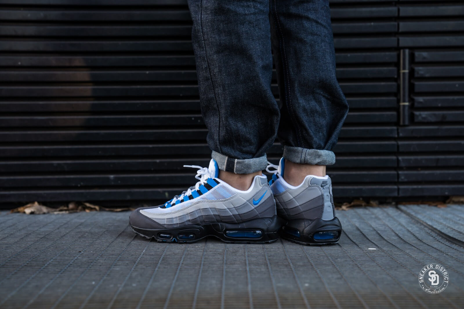 air max 95 white and blue