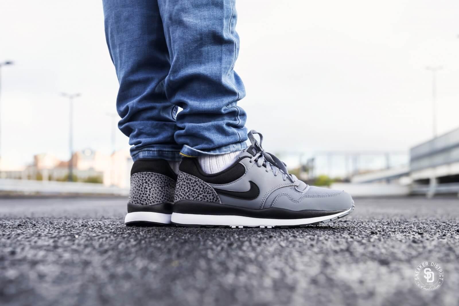 Nike Air Safari Cool Greyblack white 371740 012